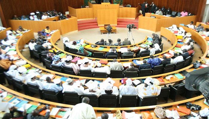 Suppression du poste de Pm : Macky Sall rencontre  «ses» députés