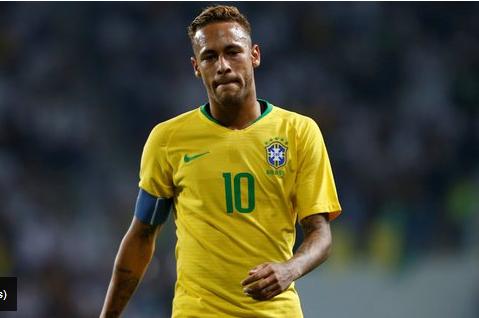 Le clan Neymar serait bien en discussion avec Barcelone