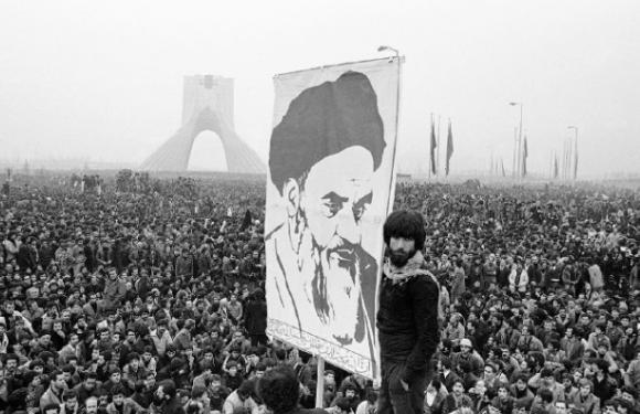 40 ans de la République islamique d'Iran: la foule se rassemble à Téhéran