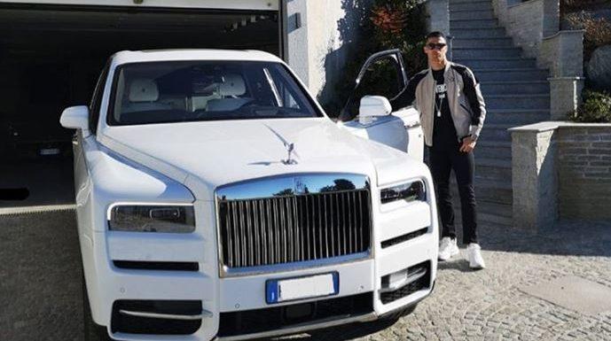 Quand Ronaldo expose sa Rolls Royce d'une valeur de … 400 000 euros