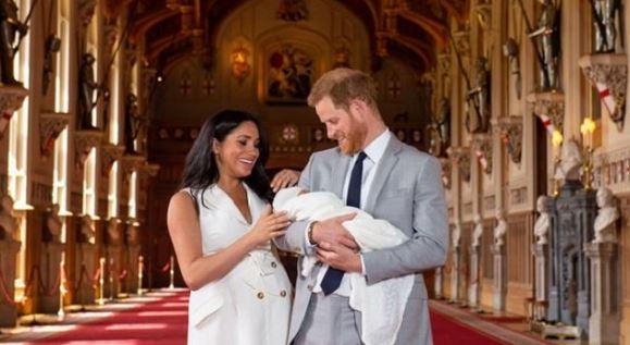 Grande Bretagne: un présentateur radio licencié pour un tweet raciste sur le bébé royal