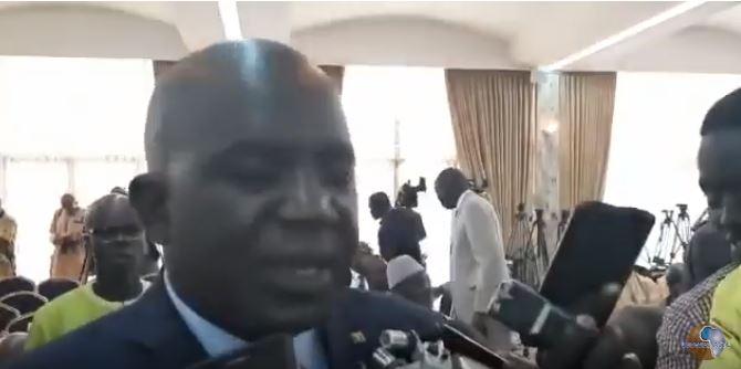 Oumar SARR justifie sa présence au dialogue nationale malgré la décision de son parti