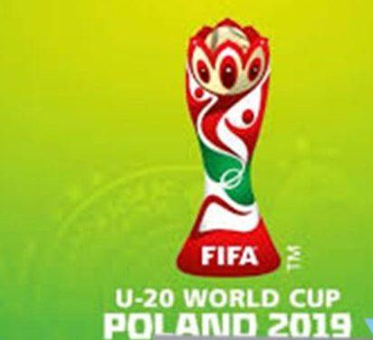REMISE DU DRAPEAU NATIONAL AUX LIONS U20 EN PARTANCE POUR LE MONDIAL