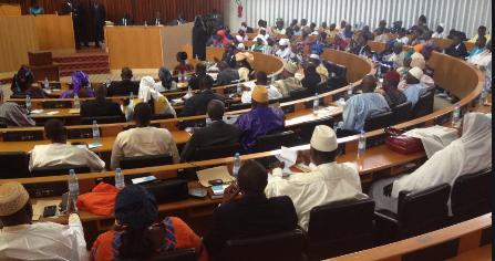 Le pole de la majorité au dialogue politique :» la suppression de la limitation des mandats présidentiels , n'est pas à l'ordre du jour»