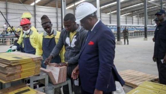 ZHANG XUN AMBASSADEUR DE LA CHINE AU SENEGAL:l'usine de fabrication de carreaux céramiques va générer 6 millions de dollars d'impôts