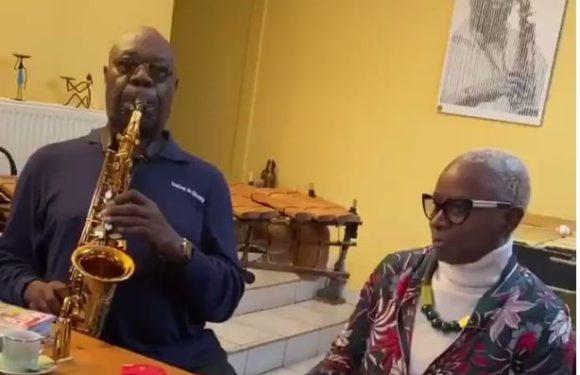 Mort de Manu Dibango: De nombreuses réactions émues saluent le «géant de la musique africaine»