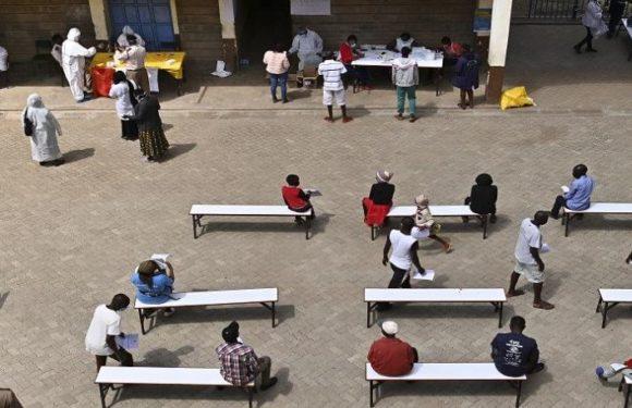 Kenya : des milliers de jeunes écolières tombées enceintes pendant le confinement