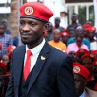 Bobi Wine arrêté après avoir posé sa candidature pour la présidentielle de 2021