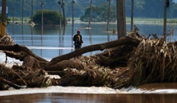 Après l'Amérique centrale, la tempête Eta menace la Floride
