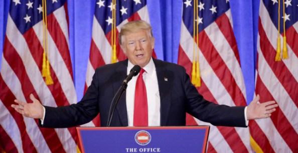 Twitter et Facebook bloquent Donald Trump