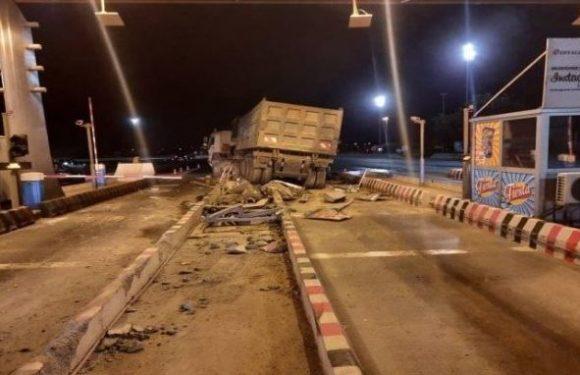 Autoroute à péage : Un conducteur s'endort au volant et cause des dégâts