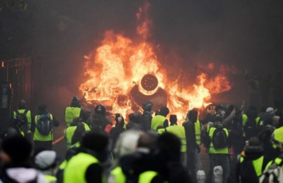 Plus de 60 policiers blessés lors de manifestations en France