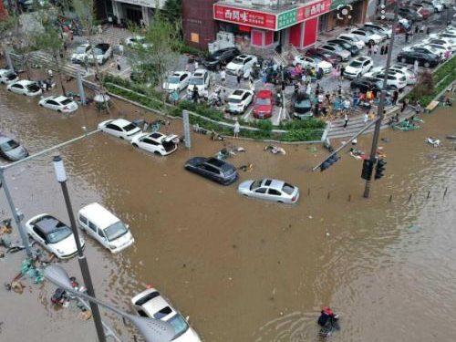 Inodations en chine : le nouveau bilan est de 302 morts et 50 disparus